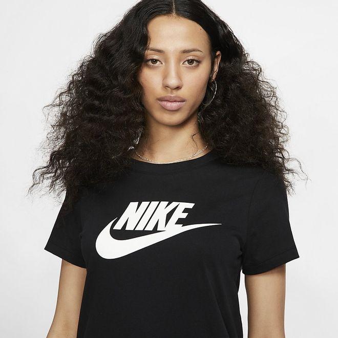 Afbeelding van Nike Sportswear Women Essential T-Shirt Black