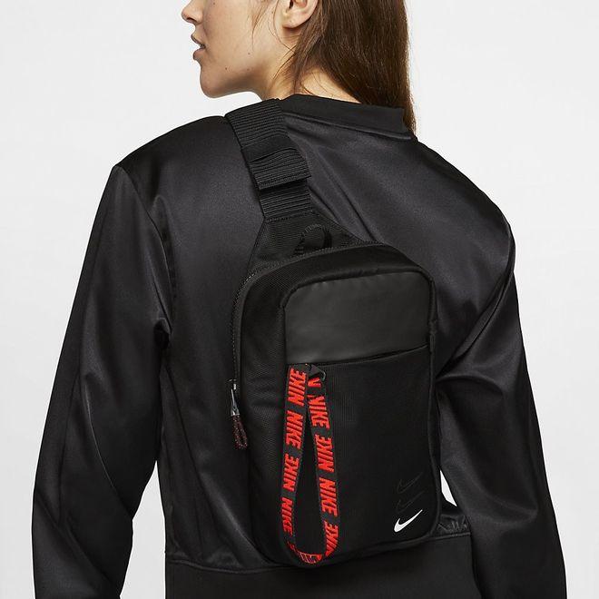 Afbeelding van Nike Sportswear Essentials heuptas Zwart