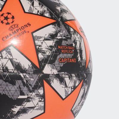 Foto van Adidas UCL Finale 19 FC Manchester United Capitano Bal