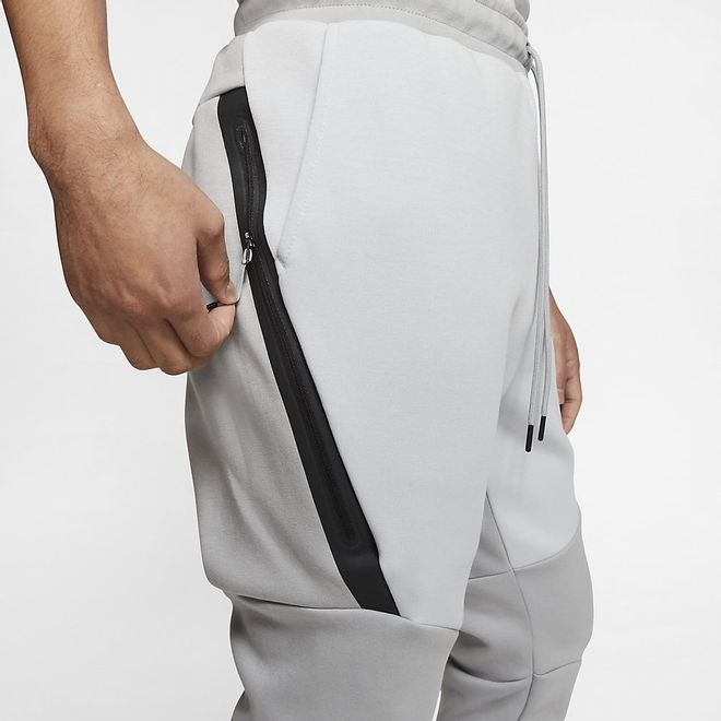 Afbeelding van Nike Tech Fleece Pant Lite Smike Grey