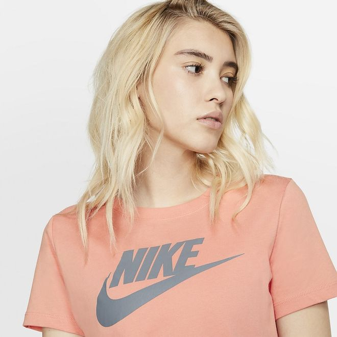 Afbeelding van Nike WMNS Sportswear Essential T-Shirt Pink Quarts