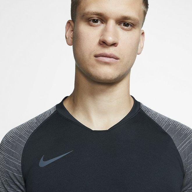 Afbeelding van Nike Breathe Strike Top Black