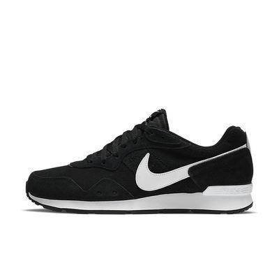 Foto van Nike Venture Runner Suede Black White