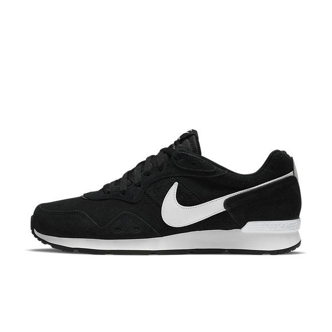 Afbeelding van Nike Venture Runner Suede Black White