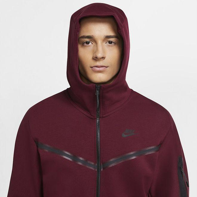 Afbeelding van Nike Sportswear Tech Fleece Hoodie Dark Beetroot