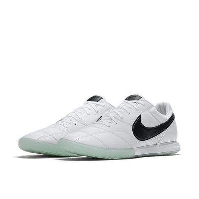 Foto van The Nike Premier II Sala IC White Black
