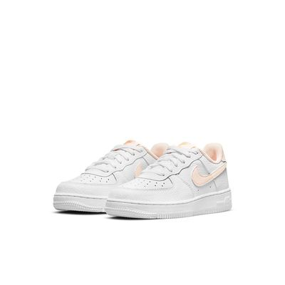Foto van Nike Force 1 White Crimson Tint