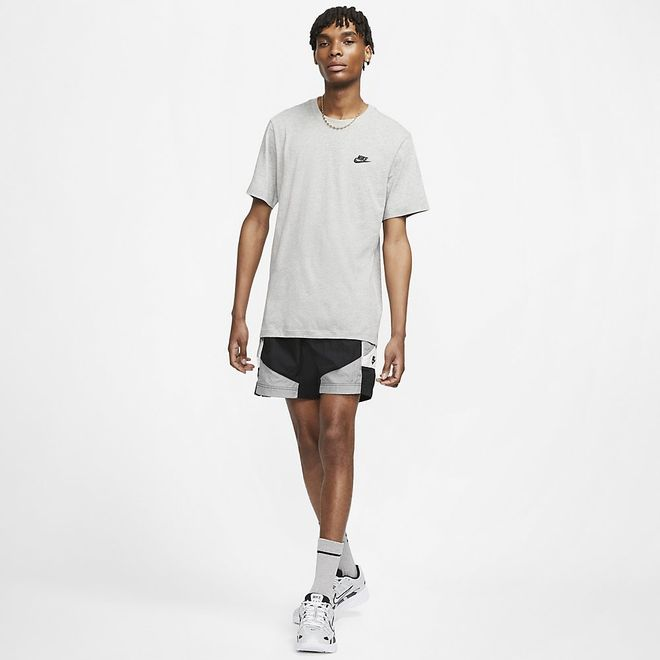 Afbeelding van Nike Sportswear Club T-Shirt Dark Grey Heather
