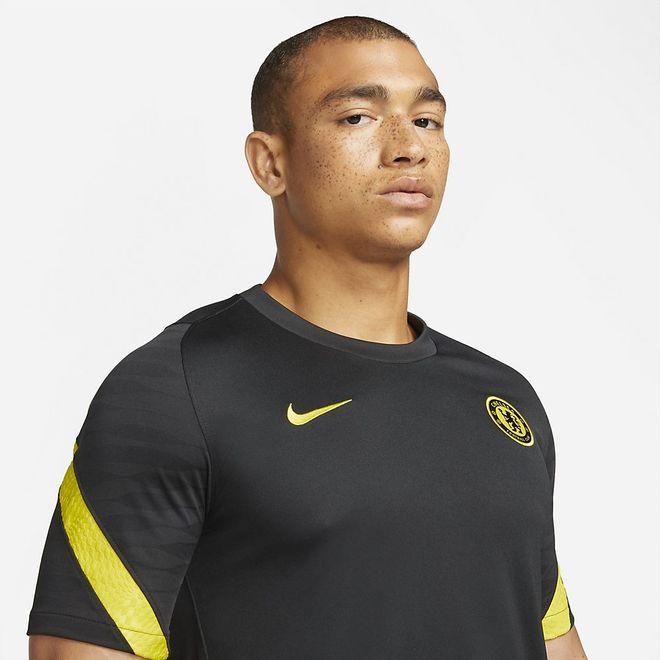 Afbeelding van Chelsea FC Strike Zomerset Black Opti Yellow