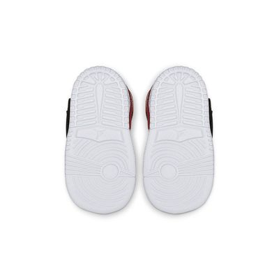 Foto van Nike Sky Jordan 1 Infants Black Gym Red