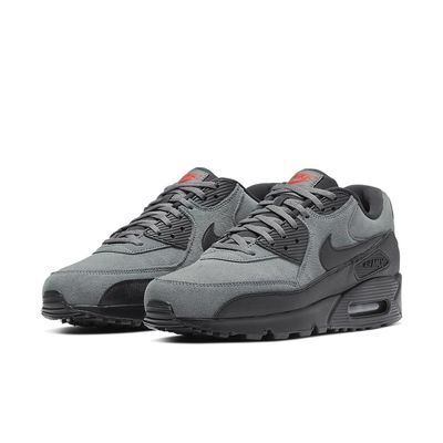 Foto van Nike Air Max 90 Essential Grey Suede