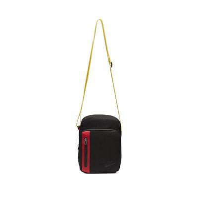 Foto van Nike Core Small Items 3.0 Tas Black-Red