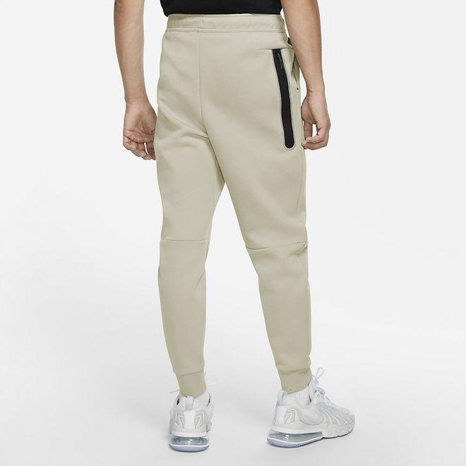 Afbeelding van Nike Tech Fleece Pant Light Bone