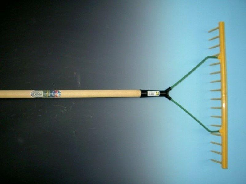 Hooihark / egaliseerhark 16 tands kunststof recht model met egaliseerstrip en steel