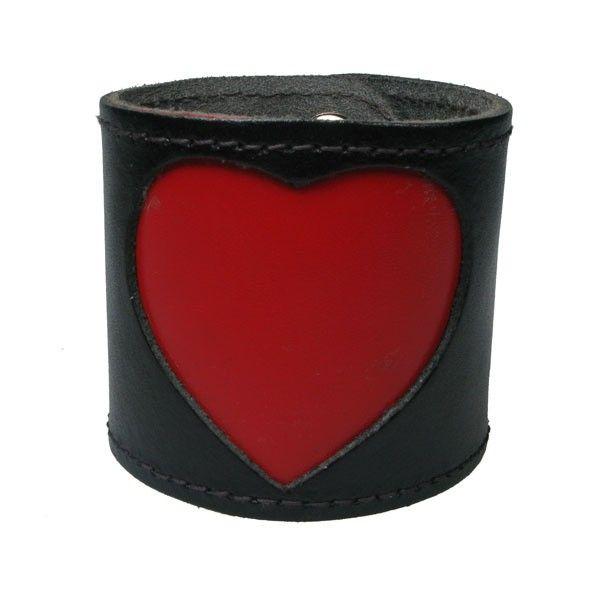 Bullet69 - Leren armband, zwart met groot rood hart
