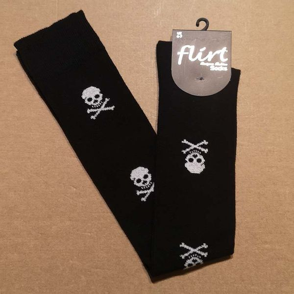 Flirt | Overknee sokken zwart met witte skulls