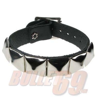 Foto van Bullet69 | Leren armband met zilver pyramide studs