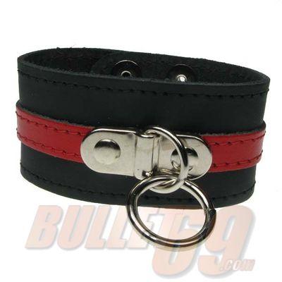 Foto van Bullet69 | Brede leren armband zwart rood met metalen O-ring