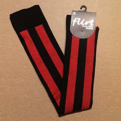 Foto van Flirt | Overknee sokken zwart rood diagonale streep