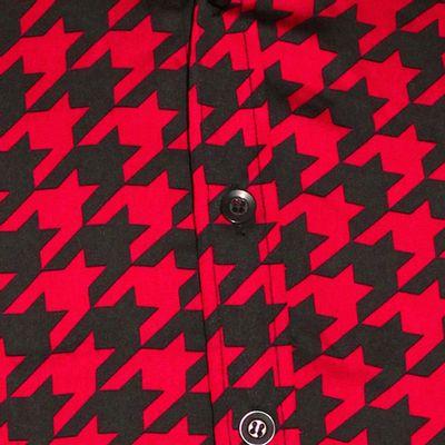 Foto van Chenaski   Rood zwart seventies overhemd Shinori satijnstof