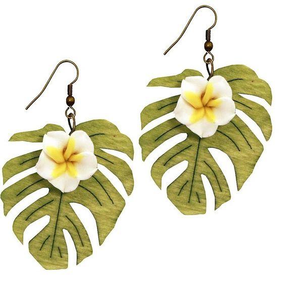 Miranda's Choice - Oorbellen met witte bloem Plumeria en houten blad
