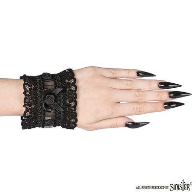 Foto van Sinister | Cuffs Fawn, zwart pols-accessoires van kant met roosjes