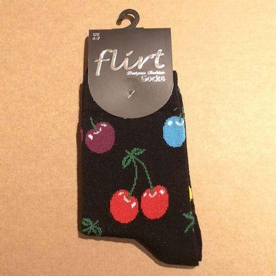 Flirt | Zwarte sokken met gekleurde kersen