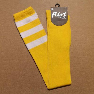 Foto van Flirt | Gele overknee sokken met 3 witte strepen