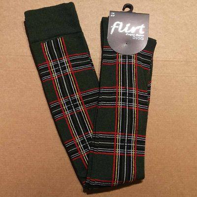 Foto van Flirt | Groene overknee sokken met tartan print
