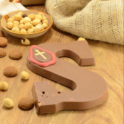 Foto van Chocoladeletter melk met hazelnoot
