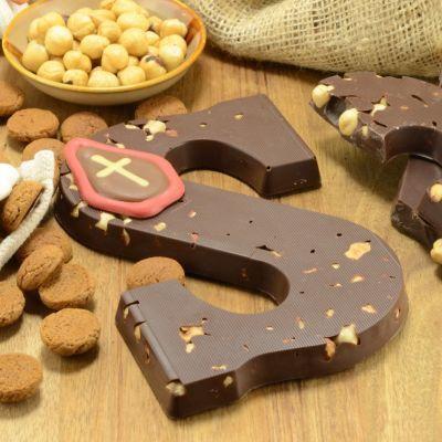 Foto van Chocoladeletter puur met hazelnoot suikervrij
