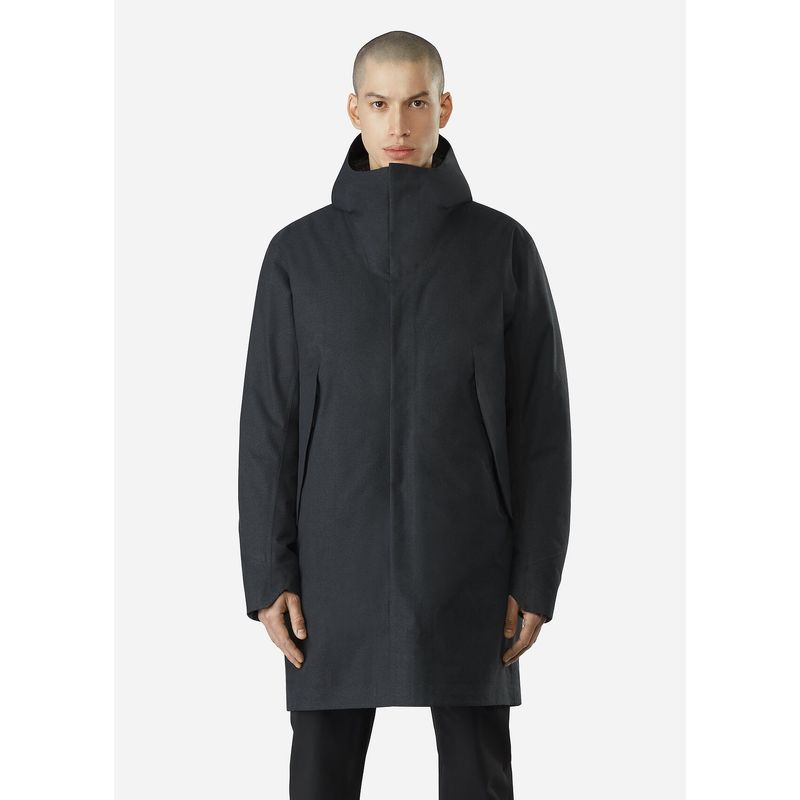Veilance Monitor Down Coat Black